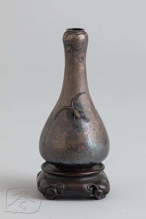 #ACC304  HAMMERED SILVER VASE WITH APPLIED 'SUZU MUSHI'(Japanese Cricket)
