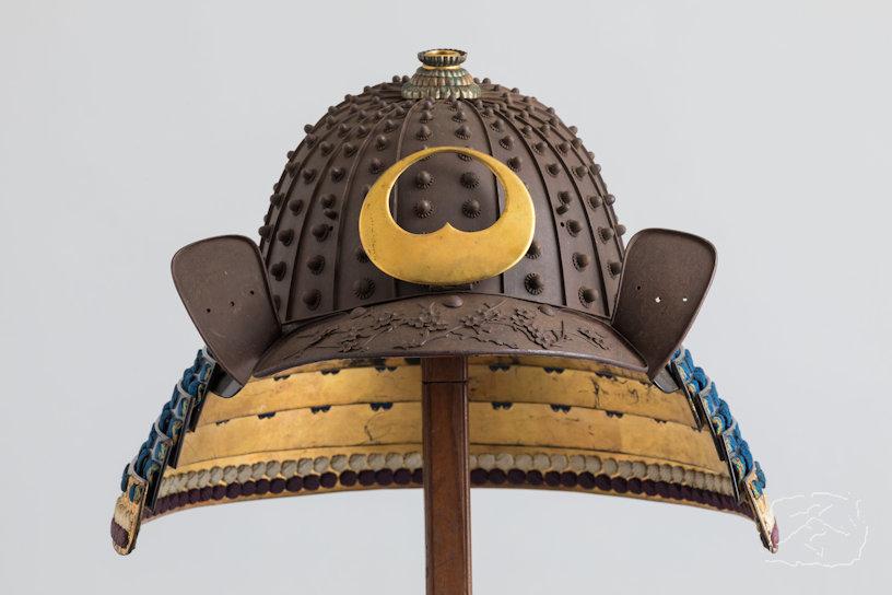 KAGA RUSSET IRON SIXTEEN PLATE 'ZABOSHI KABUTO' Signed: KOJIMA MUNENAO Early 19th Century